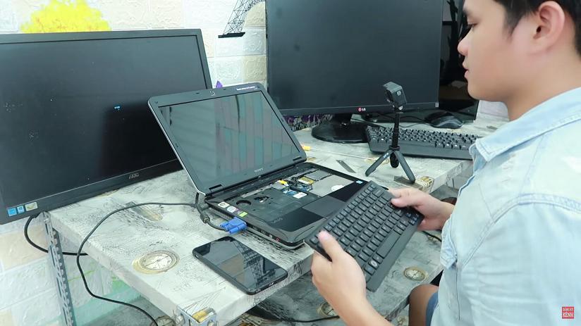 Lỗi bật laptop kêu tút tút tít tít hoặc tự viết chữ và không ấn được phím
